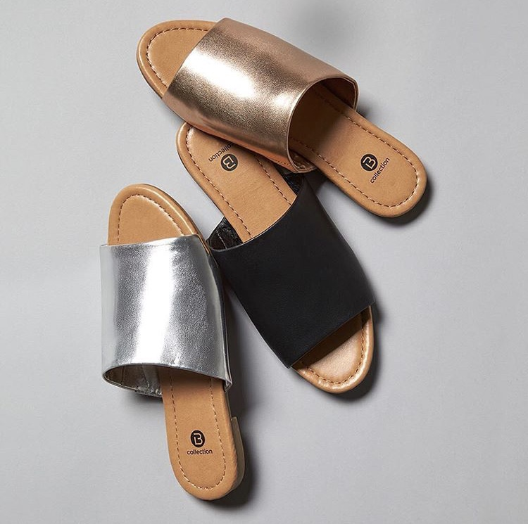 aab2acb5fe5d86 Yes you read that correctly. Flatforms are a style of shoe with a high,  thick sole. They can come in the form of flats or heels, ...